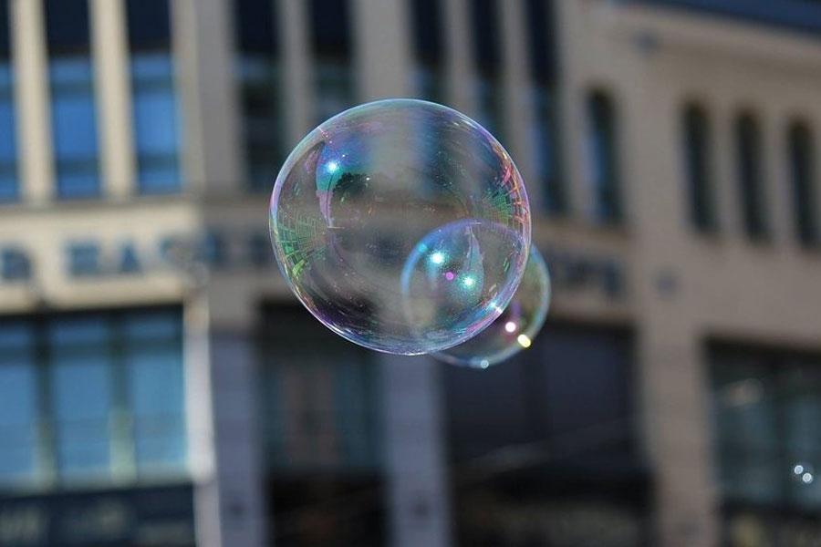 「ビットコイン 現在の人気はバブルなのか」という記事が話題に