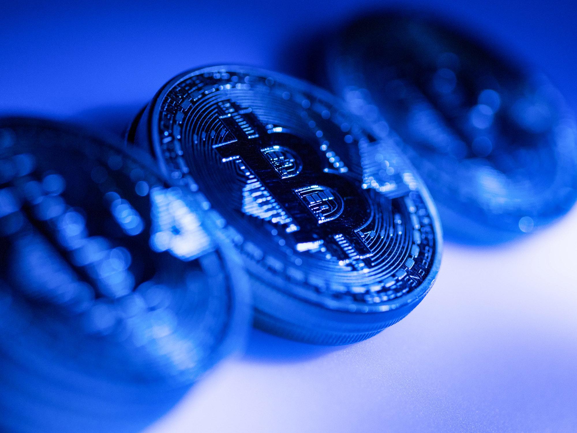 【悲報】ビットコイン投信の輝きに陰り、純資産総額は最低に